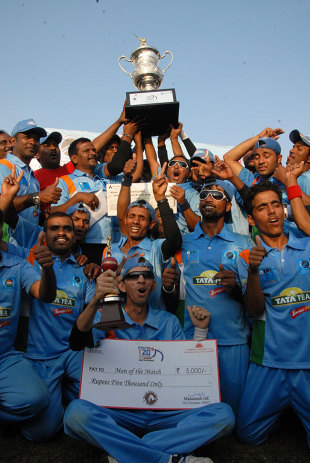 India Against Pakistan, in the final of the inaugural Twenty20 World Cup. No, we're