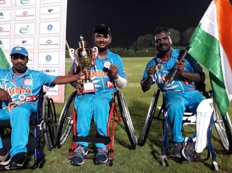 Mr. Siva with Karnataka Wheelchair Cricket Team
